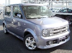 Lilac Nissan cube is really rare