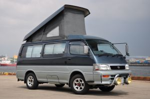 toyota hiace elevating roof