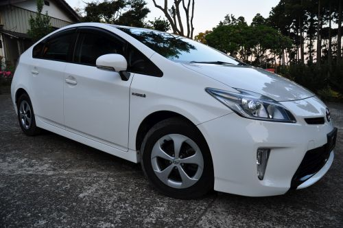 Toyota Prius Hybrid UK by Algys Autos direct japan import