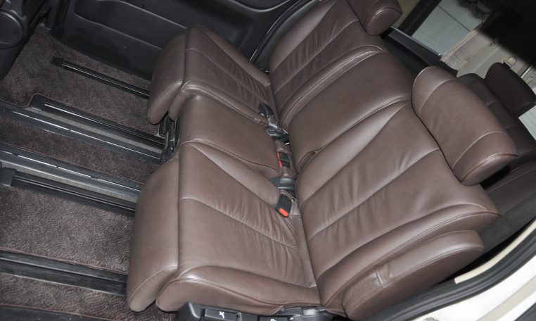 Nissan Elgrand supplied for sale fully UK registered direct from Japan with V5